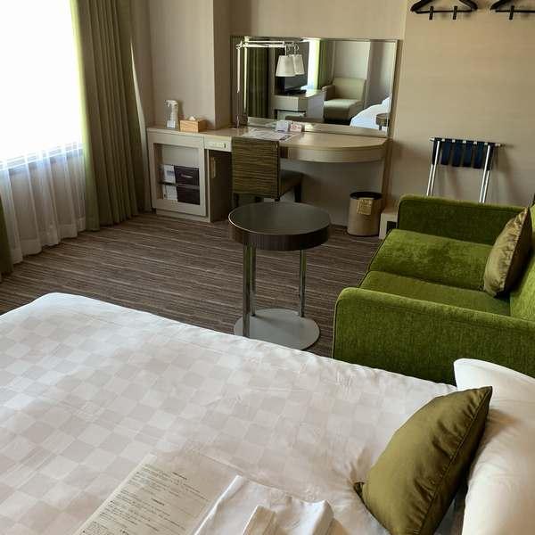 新宿プリンスホテルツインルームAベッド側