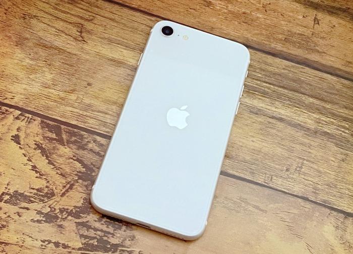 iPhoneSEアイキャッチ用イメージ