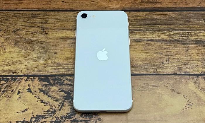 iPhoneSEホワイト