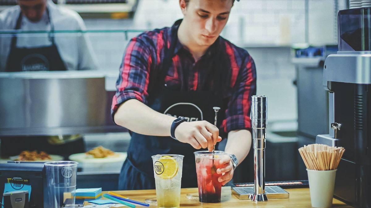 モッピーバイト飲食店の仕事イメージ