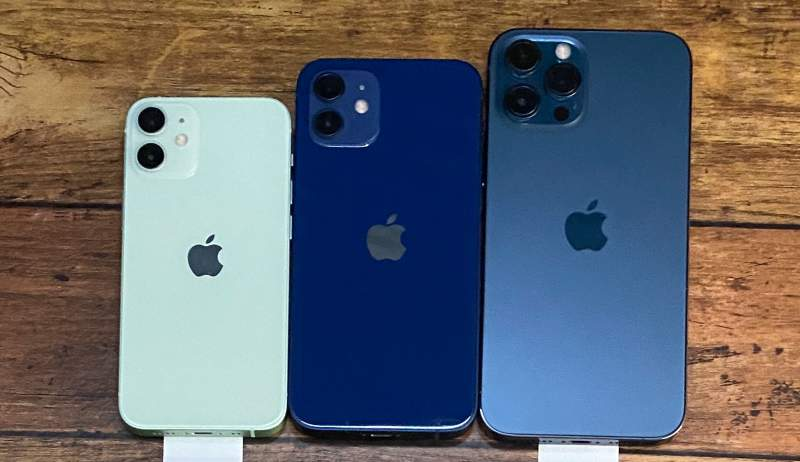 iPhone12とminiとProMaxのサイズ比較