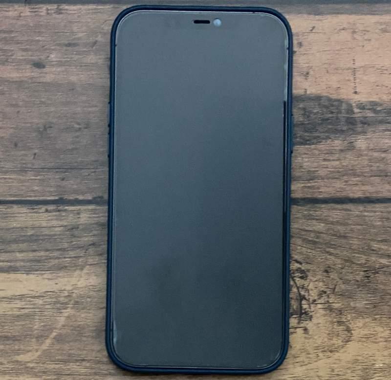 iPhone12ProMax保護ガラス貼り付け