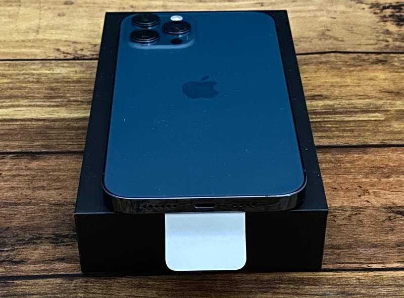 iPhone12ProMax端子側