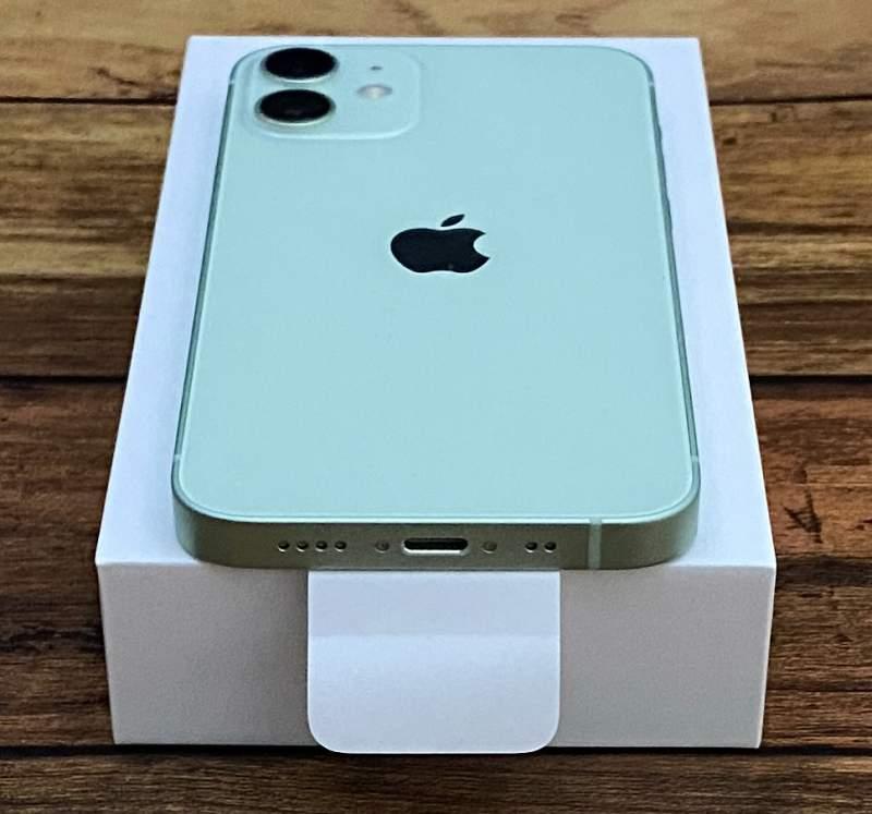 iPhone12mini端子側
