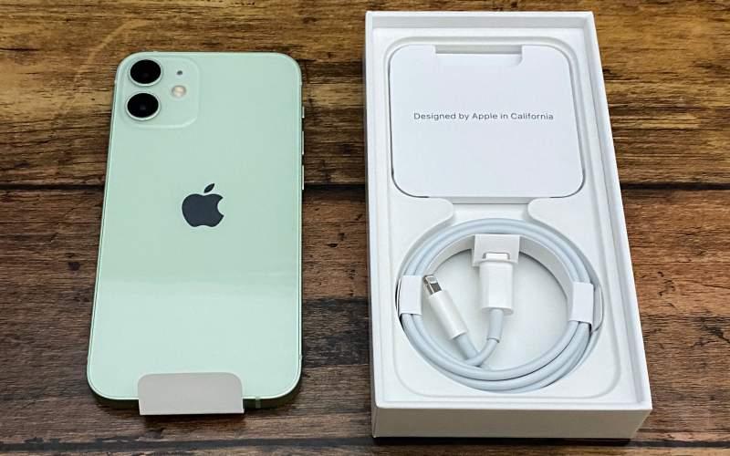 iPhone12mini箱と本体