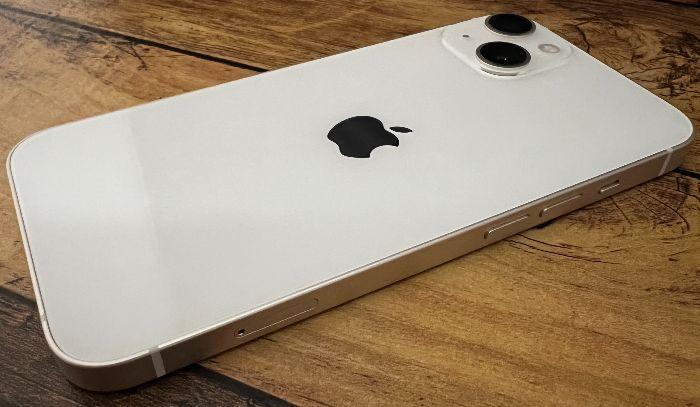 iPhone13音量ボタン側