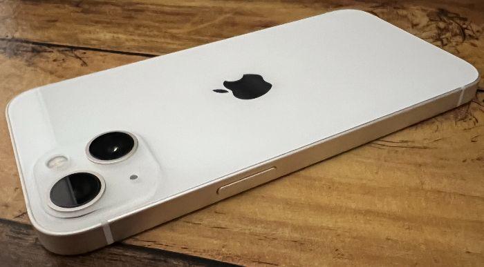 iPhone13電源ボタン側