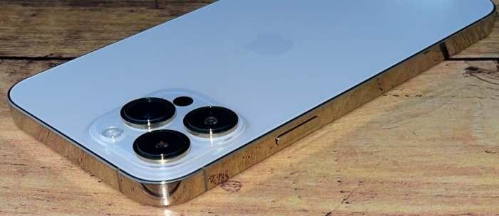 iPhone13ProMax電源ボタン側
