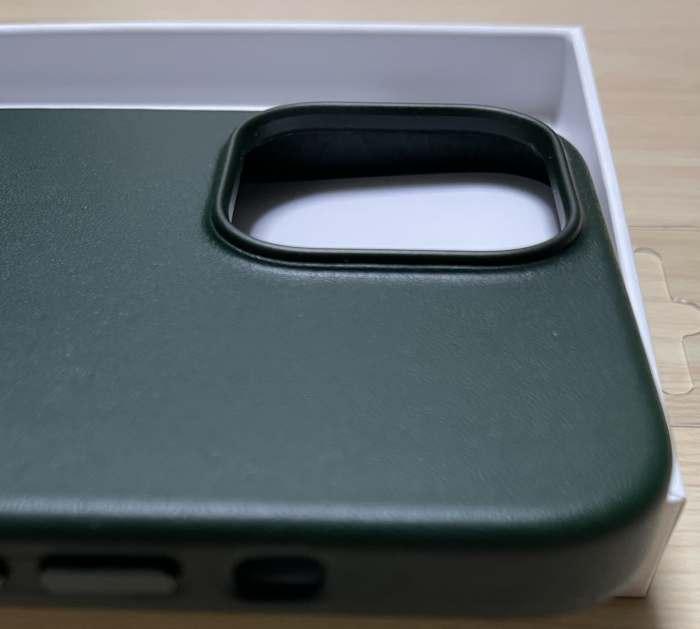 iPhone13Promaxレザーケースのカメラ部分