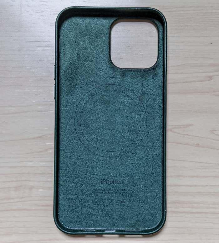 iphone13promaxレザーケースの内側